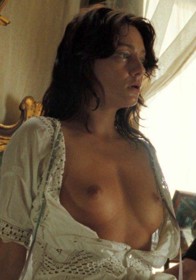Giovanna Mezzogiorno Nude
